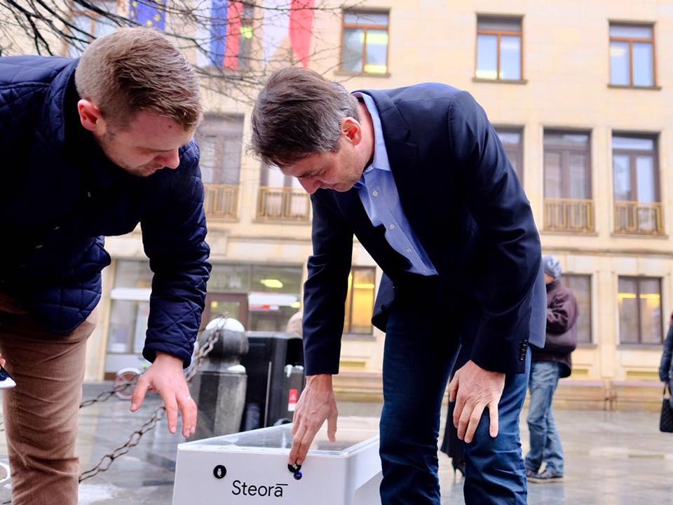 Bratislava inteligentni lavicka 3