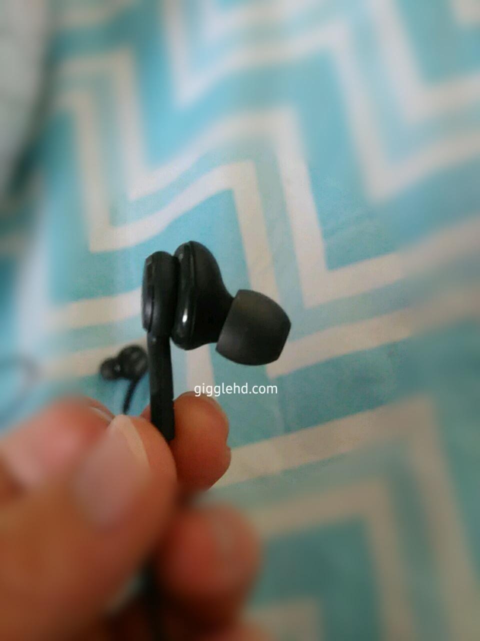 Galaxy S8 AKG headphones leak 4