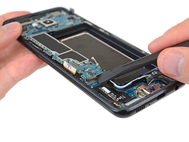 Samsung Galaxy S8 teardown 5