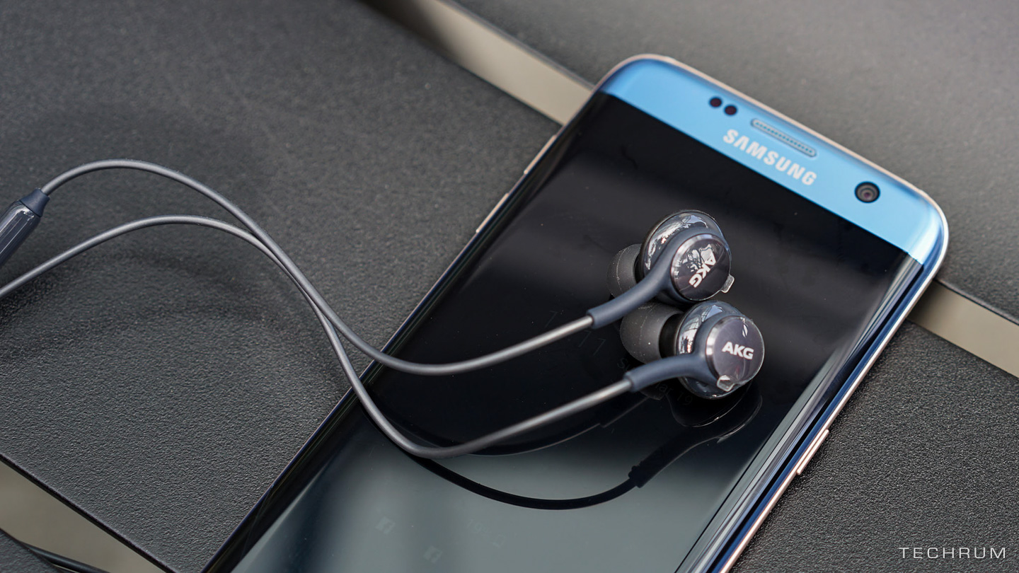 galaxy-s8-akg-earphones-leaked-6