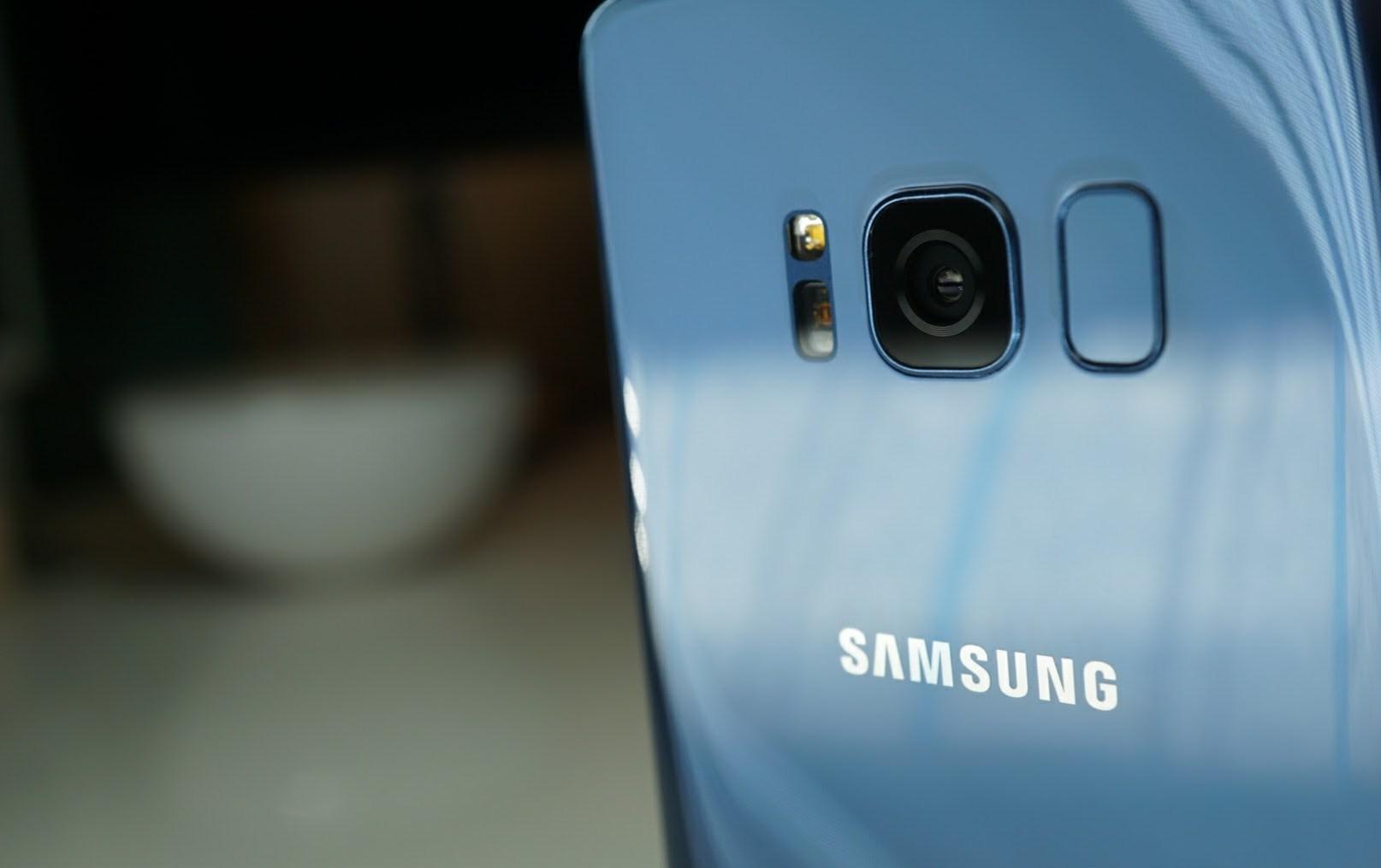 Galaxy S8 Coral Blue 1