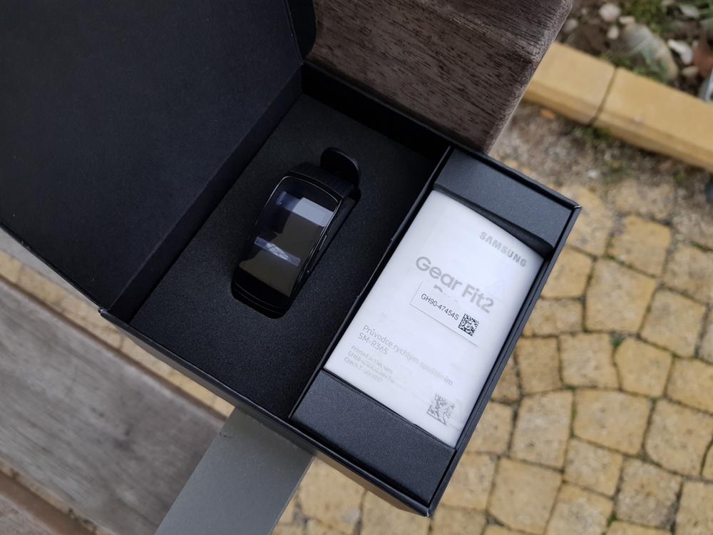 Samsung Gear Fit2 Pro baleni 3
