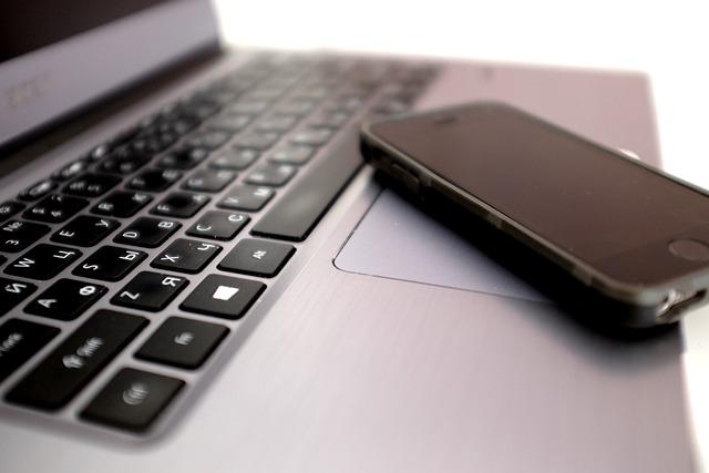 laptop iphone